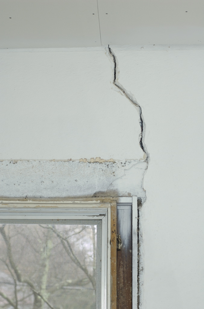plaster wall crack repair old house