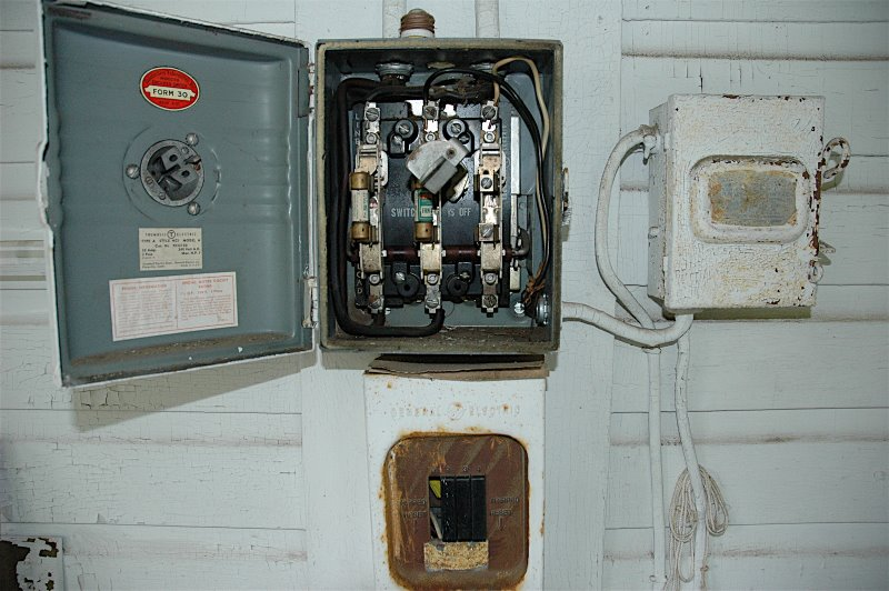 Taylor\'s Blog » This old house part 8 of 63453 – New Electrical Panel